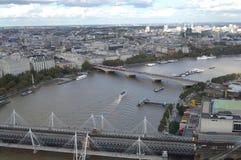 桥梁鸟瞰图在伦敦 免版税图库摄影