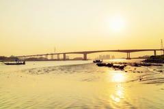桥梁,日落 免版税库存图片