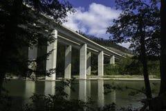桥梁,湖Bajer,克罗地亚 免版税图库摄影
