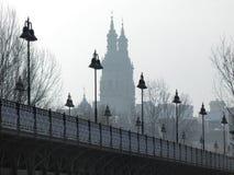 桥梁,路灯柱 免版税图库摄影