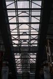 桥梁建筑 金属桥梁的滤网框架 免版税库存照片