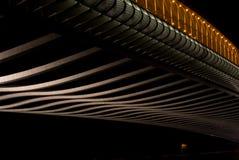 桥梁细节在布拉格在夜 库存图片