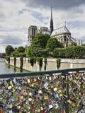 巴黎桥梁 库存图片