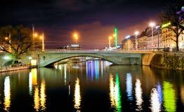 桥梁coulouvreni日内瓦关于 免版税图库摄影