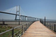 桥梁da gama里斯本瓦斯考 免版税库存图片