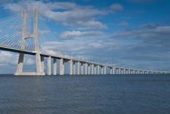 桥梁da gama里斯本葡萄牙瓦斯考 免版税库存照片