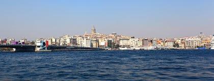 桥梁galata伊斯坦布尔全景塔 免版税图库摄影