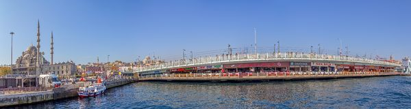 桥梁galata伊斯坦布尔 免版税库存图片