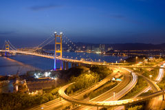 桥梁ma晚上tsing的视图 库存照片