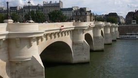 桥梁neuf巴黎pont 免版税图库摄影