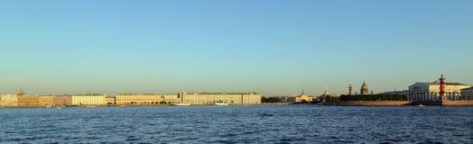 桥梁okhtinsky彼得斯堡俄国圣徒 免版税库存照片