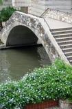 桥梁riverwalk 免版税库存图片