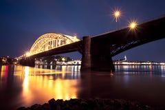 桥梁waal的奈梅亨 图库摄影