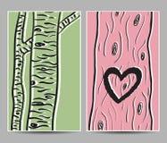 桦树和心脏在树卡片 免版税库存照片
