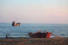 桨和发射在贝加尔湖 免版税库存照片