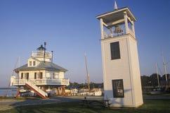 桶匠海峡在桶匠海峡的灯塔灯唐基尔声音的,圣的Michaels, MD切塞皮克湾海博物馆 图库摄影
