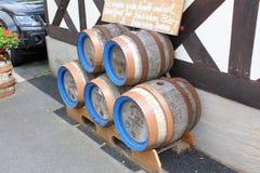 桶由饮料的木头制成 免版税库存图片