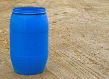 桶蓝色塑料 库存图片