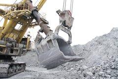 桶10米的挖掘机容量立方体 免版税库存图片