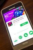 梁赞,俄罗斯- 2018年5月04日:上色在手机显示的电话一刹那机动性app  库存照片