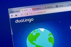 梁赞,俄罗斯- 2018年5月08日:个人计算机, URL - DuoLingo显示的DuoLingo网站  com 库存图片