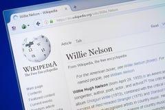 梁赞,俄罗斯- 2018年8月19日:关于威利纳尔逊的维基百科页个人计算机显示的  库存图片
