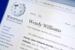梁赞,俄罗斯- 2018年8月28日:关于温迪威廉斯的维基百科页个人计算机显示的  库存照片
