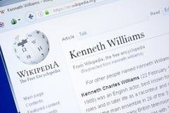 梁赞,俄罗斯- 2018年8月28日:关于肯尼斯威廉斯的维基百科页个人计算机显示的  免版税图库摄影