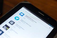 梁赞,俄罗斯- 2018年5月02日:发信号在片剂个人计算机显示的流动apps名单的私有信使象  免版税图库摄影
