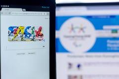 梁赞,俄罗斯- 2018年3月03日:在残奥会开幕式题材的谷歌乱画在片剂个人计算机显示  库存图片