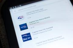 梁赞,俄罗斯- 2018年5月03日:在片剂个人计算机显示的流动apps名单的资本一竞技场流动象  库存图片