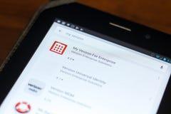梁赞,俄罗斯- 2018年5月02日:给出我的企业的韦里孙在片剂个人计算机显示的流动apps名单  免版税库存照片
