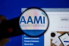 梁赞,俄罗斯- 2018年7月11日:Aami 个人计算机显示的org网站  库存照片