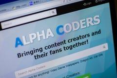 梁赞,俄罗斯- 2018年6月05日:AlphaCoders网站主页个人计算机, URL - AlphaCoders显示的  com 库存照片
