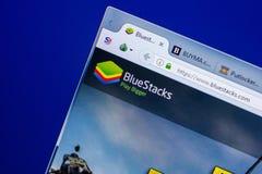 梁赞,俄罗斯- 2018年5月20日:BlueStacks网站主页个人计算机, URL - BlueStacks显示的  com 免版税库存照片