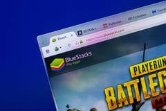 梁赞,俄罗斯- 2018年5月20日:BlueStacks网站主页个人计算机, URL - BlueStacks显示的  com 免版税图库摄影