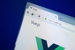 梁赞,俄罗斯- 2018年8月26日:Vuejs网站主页个人计算机显示的  URL - Vuejs org 免版税库存图片