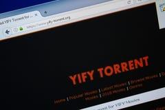 梁赞,俄罗斯- 2018年8月26日:YIFY洪流网站主页个人计算机显示的  URL - YIFY洪流 org 库存图片