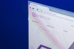 梁赞,俄罗斯- 2018年3月29日- Emercoin隐藏货币,网地址- emercoin主页在个人计算机显示的 com 免版税库存图片