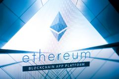 梁赞,俄罗斯- 2018年3月29日- Ethereum在网站ethereum的cryptocurrency商标 在个人计算机显示的org  免版税库存照片