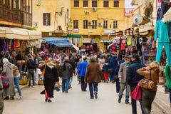 梅克内斯,摩洛哥- 2017年3月04日:繁忙的企业街道 图库摄影