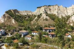 梅利尼克,保加利亚- 2017年9月7日:19世纪的老房子在梅利尼克,保加利亚镇  免版税库存图片