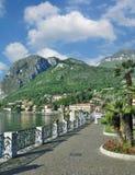 梅纳焦散步科莫湖的,伦巴第,意大利 库存图片