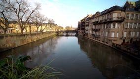 梅茨市视图,法国 摩泽尔河的老城市 股票录像