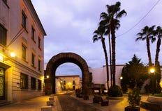 梅里达Trajan曲拱黎明的 免版税库存照片