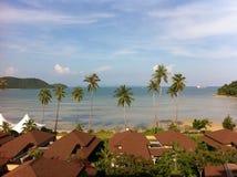梦想假日目的地,从屋子的看法由海的豪华手段的在东南亚,泰国 免版税图库摄影