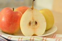 梨和苹果 免版税图库摄影