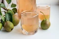 梨汁和有些梨 吃健康 图库摄影