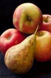 梨用苹果 免版税库存照片