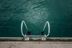 梯子到海里 免版税库存图片